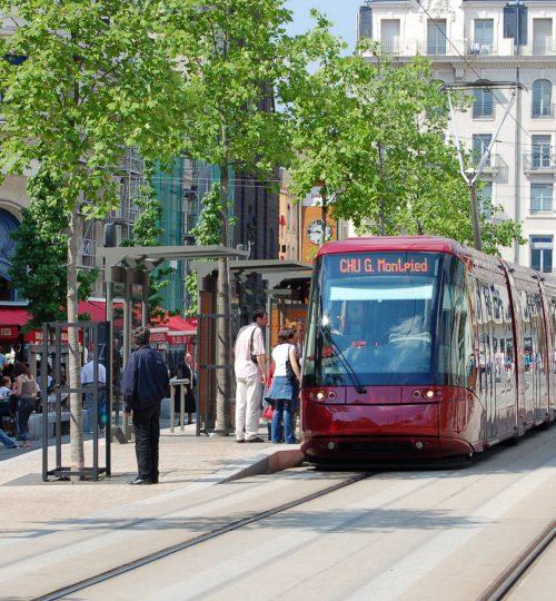 Clermont-tram-place-de-jaude